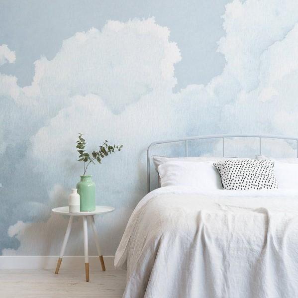 Wallpaper Dinding Kamar Tidur Motif Awan Sederhana
