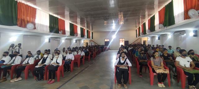 पोदार कॉलेज में राष्ट्रीय सेवा योजना दिवस का आयोजन