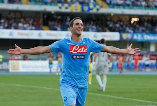 Calcio serie A Napoli-Milan 26° Giornata Higuain contro Bacca
