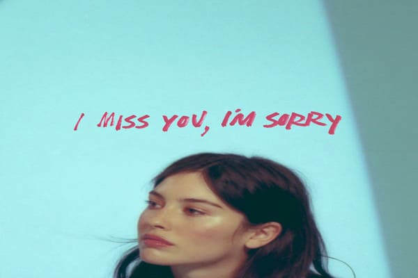 Lirik Lagu Gracie Abrams I Miss You, Im Sorry dan Terjemahan