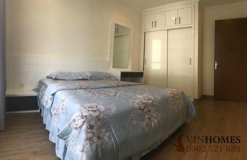 Cho thuê căn hộ Vinhomes 4 phòng ngủ Landmark 1 - ảnh chụp giường ngủ