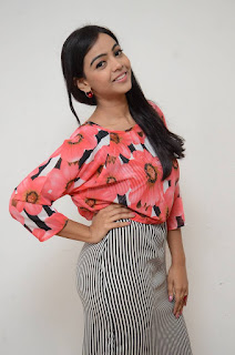Actress Nithya Shetty Pictures at Padesave Platinum Disc Function  0011.jpg