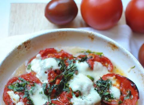 Pieczone pomidory we włoskim stylu