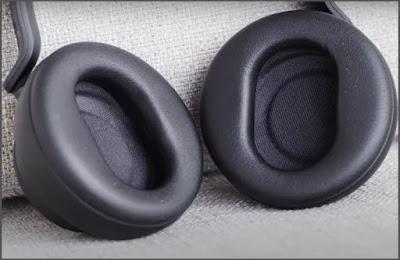 Microsoft Surface Headphones 2: Soft Ear Cups