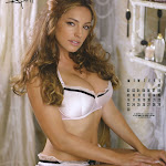 Kelly Brook - Calendario 2012 Foto 5