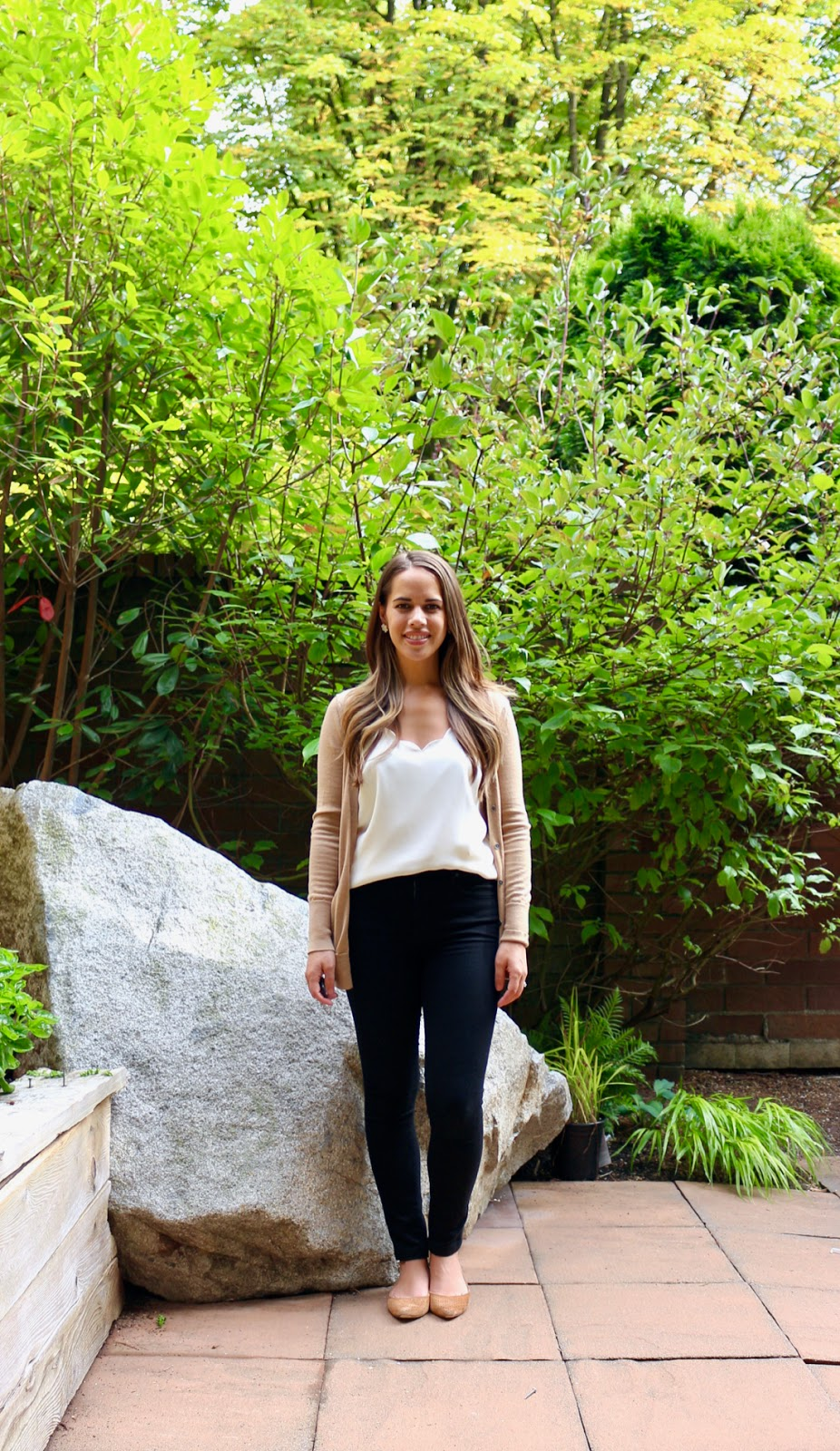 Jules in Flats - J.Crew Factory Scalloped Cami with Black Skinny Jeans (Business Casual Spring Workwear on a Budget)