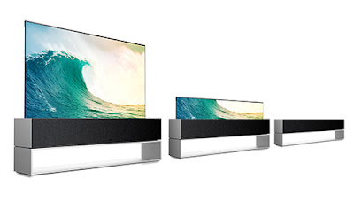 Two LG signature RX screen are placed in a row