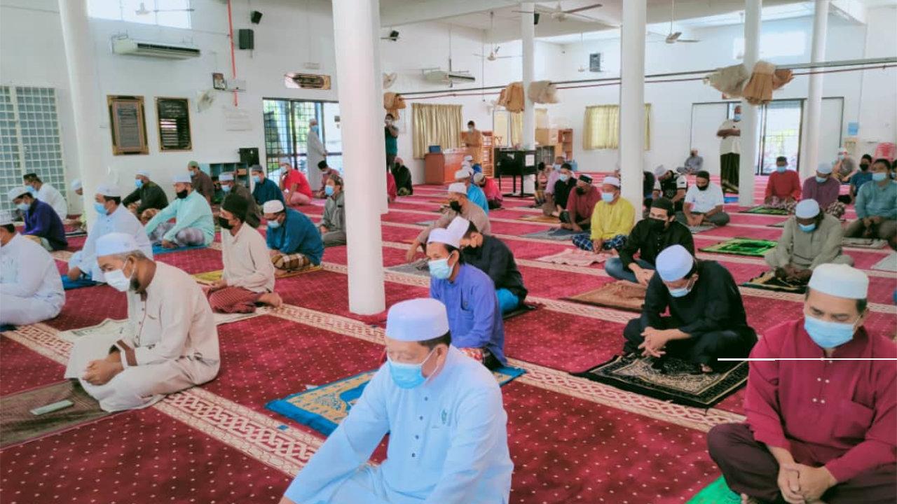 Perlis Benarkan Solat Dengan Rapatkan Saf Di Masjid Bermula Esok, 23 Mac 2021