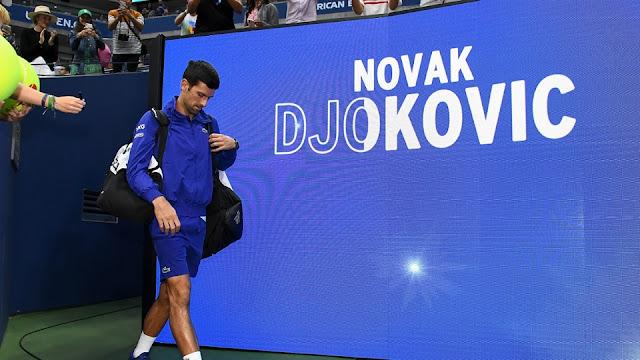 Djokovic entra na quadra Arthur Ashe e é saudado pelo público