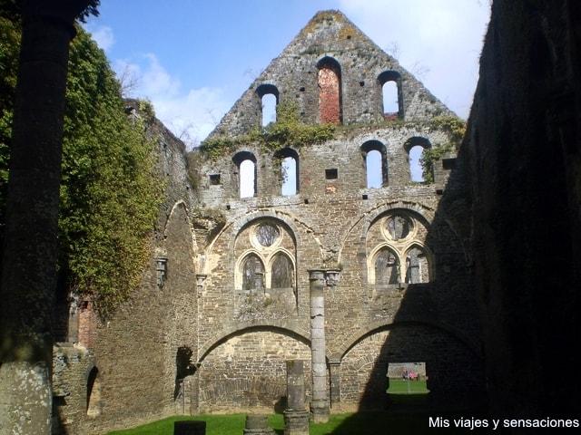 Ruinas de la abadía cisterciense de Villers-la-Villa, Valonia, Bélgica