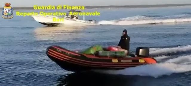 Bari Police caught raft filled with hashish and marijuana with two Albanians on board