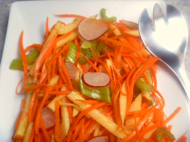 Carrot & Apple Matchstick Salad:  Colorful, crisp and super-fresh says it all with this light Spring salad! - Slice of Southern