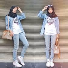 Fashion Hijab Casual Berhijab Dengan Memakai Celana Jeans