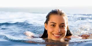 Manfaat Berendam di Air Laut Untuk Kesehatan