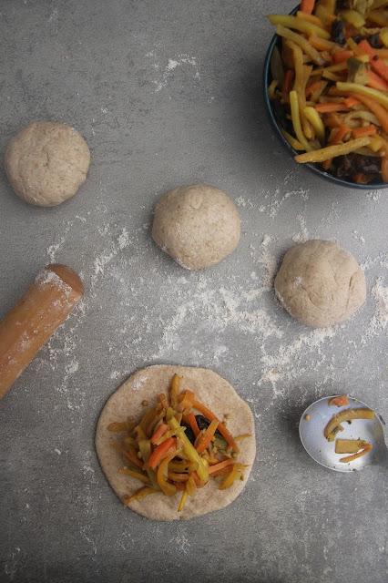 Cuillère et saladier : Brioches vapeur (Baozi) aux légumes vegan végétarien
