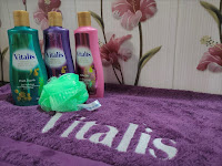 Self-Love Bersama Vitalis Perfumed Moisturizing Body Wash