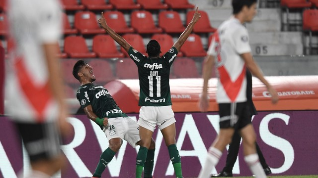 Virou passeio!!! Palmeiras brilha na Argentina e derrota o River por 3x0
