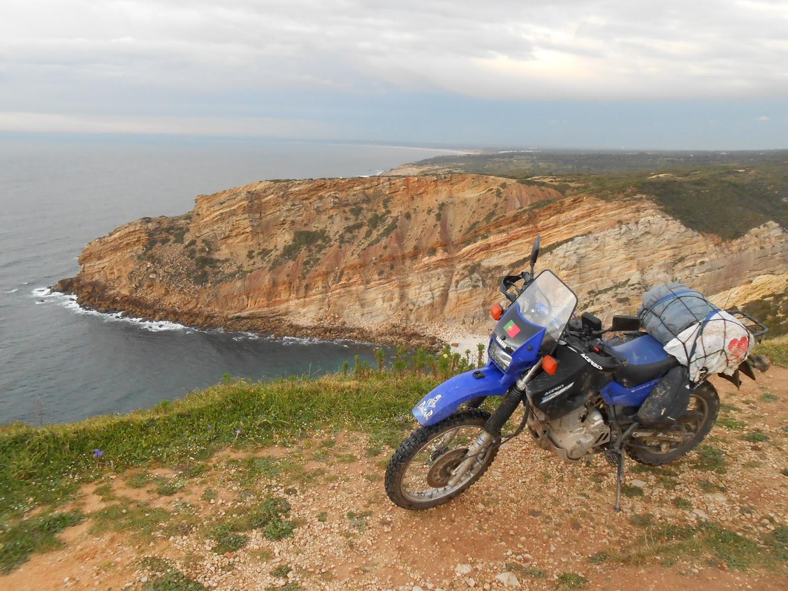 Rutas en moto por extremadura yamaha xt 600e portugal for Suelo besar el suelo xd