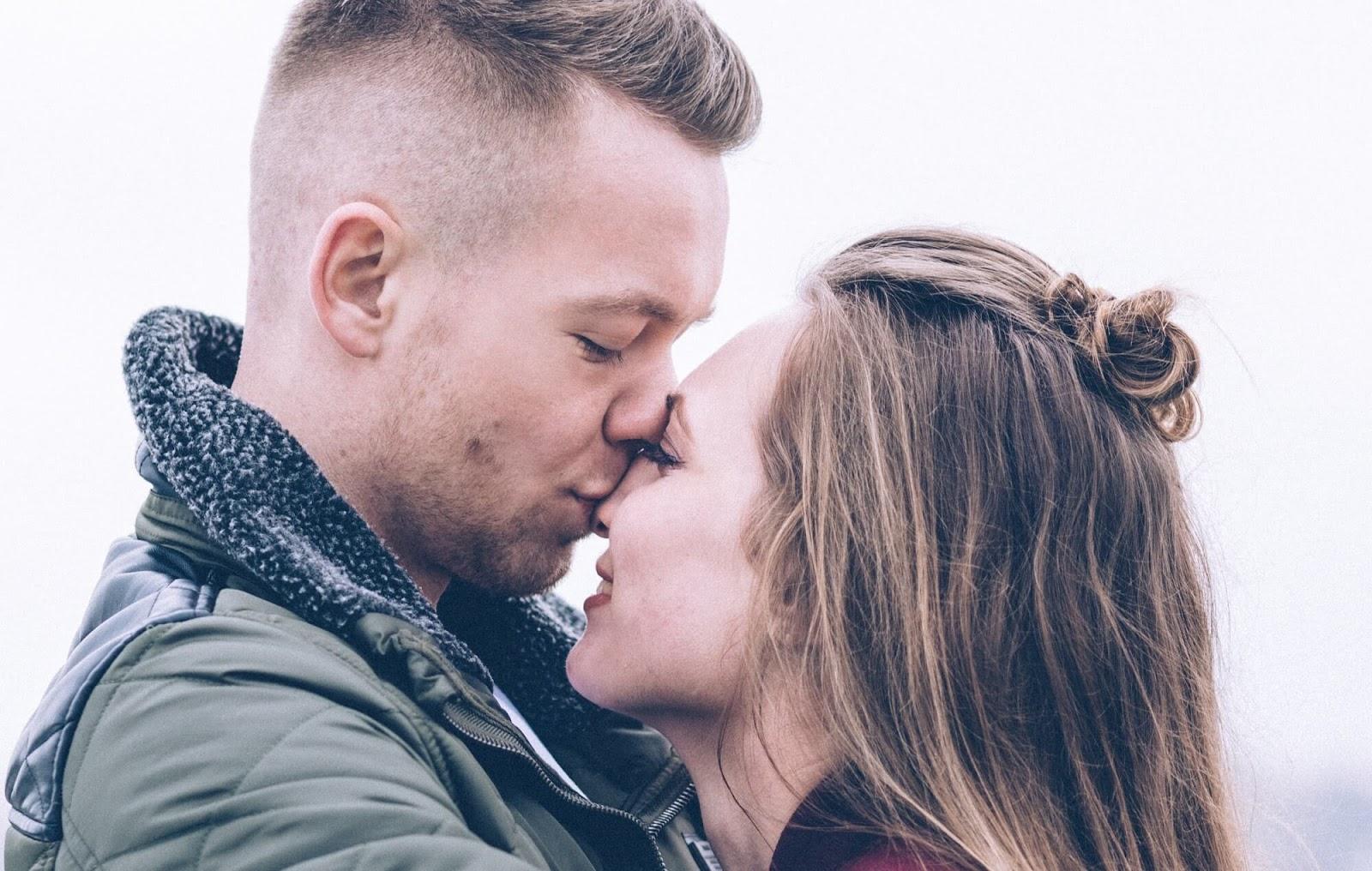 Cardiff homo dating ensimmäinen viesti lähettää kaveri online dating