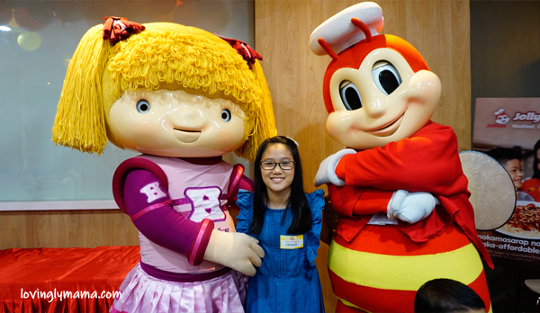 Jolly Spaghetti Pinaka-Sweet Day - Jollibee Bacolod - Bacolod blogger - Bacolod mommy blogger - activities for kids - clay - painting lanterns - BFF - childhood friends - homeschooling in Bacolod - mom and daughter bonding - Jollibee and Hetty dance number - Shawna
