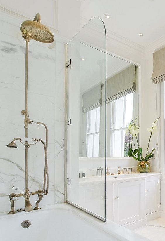 Décor Inspiration: 13 Stunning Marble Baths