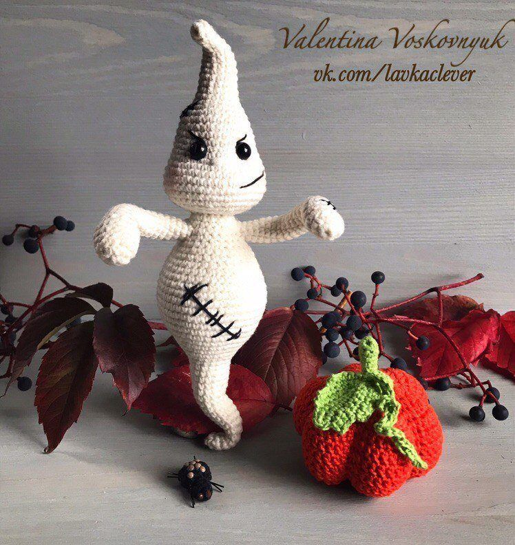 Halloween crochet ghost amigurumi