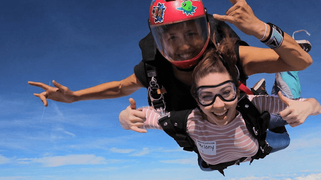 How old do you have to be to skydive in Washington?