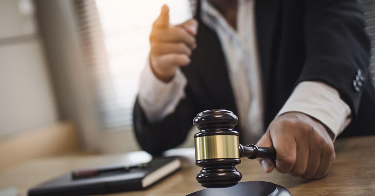 Juiz de Almeirim se declara suspeito para atuar em ação contra prefeita e vice