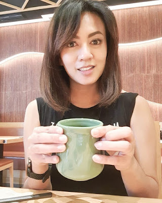 Yeyen Lidya - Pemeran Sinetron Dunia Terbalik