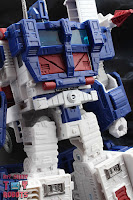 Transformers Kingdom Ultra Magnus 07