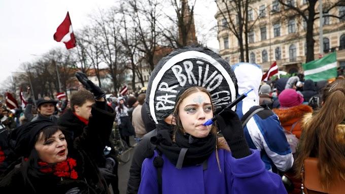 Orosz tévéadókat tiltottak be Lettországban