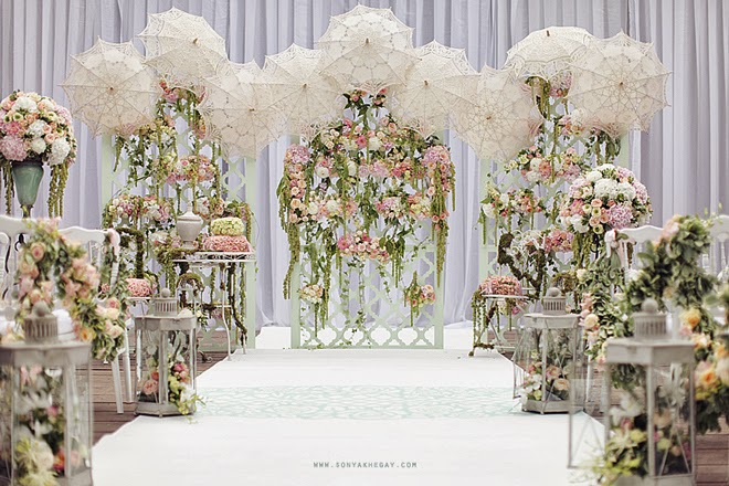All White Indoor Wedding Ceremony Site: Wedding Ceremony Ideas - Belle The Magazine