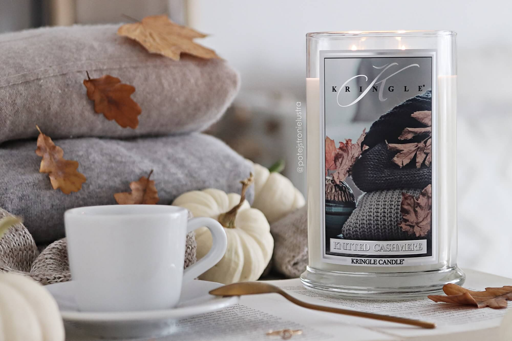 knitted cashmere kringle candle