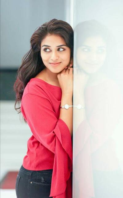 Gorgeous Actress Indhuja latest stills