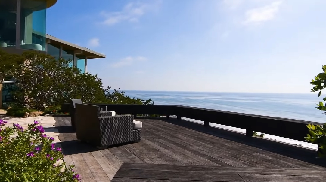 42 Photos vs. 33256 Pacific Coast Hwy, Malibu, CA Interior Design Ultra Luxury Home Tour