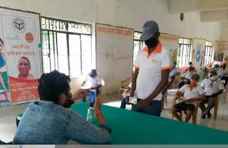 मूल्यांकन के बाद बुनकरों का कराया गया प्रशिक्षण | #NayaSaveraNetwork