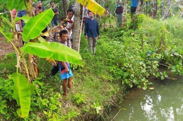Terpeleset Saat Bermain Di Kolam Ikan , Bocah 4 Tahun di Loteng Meninggal Dunia