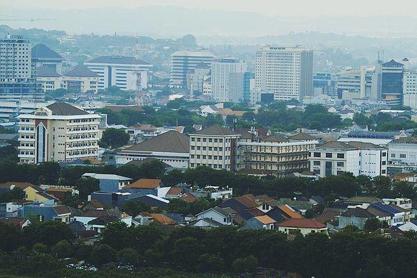 TOP-10 Gedung Pencakar Langit di Kota Semarang