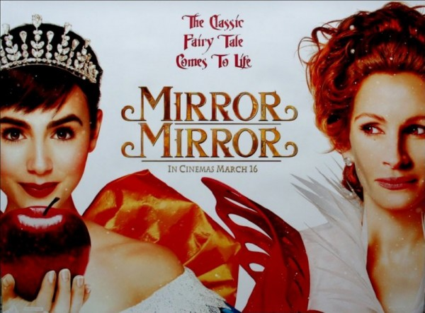 Mirror Mirror - Snow White (Lily Collins) and The Quee (Julia Roberts)