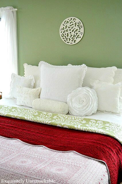 Country Style Red and Green Bedding