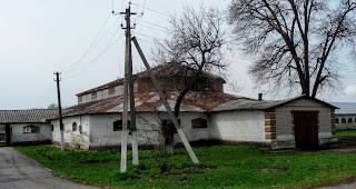 Дібрівка. Територія кінного заводу