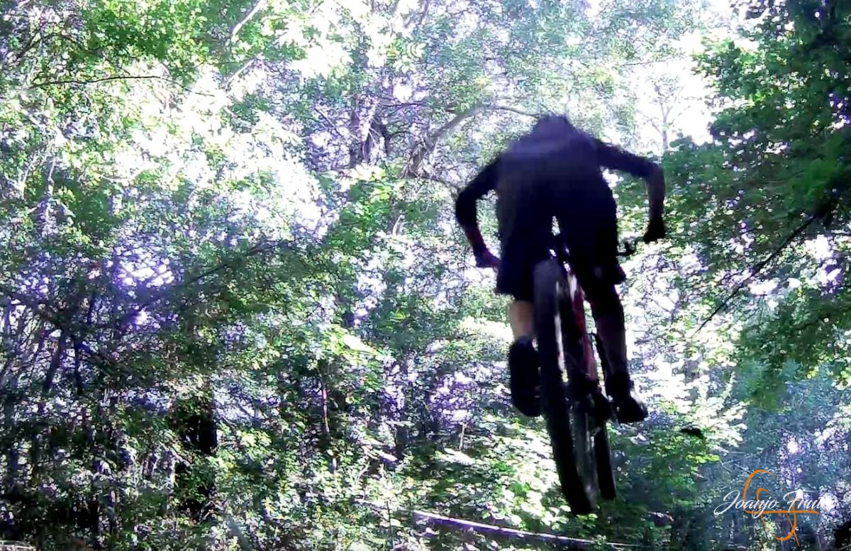 Captura%2Bde%2Bpantalla%2B2018 07 23%2Ba%2Blas%2B20.08.21 - Más mountain bike postureo