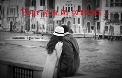 Couple amoureux au bord d'une rivière [Noir et Blanc]
