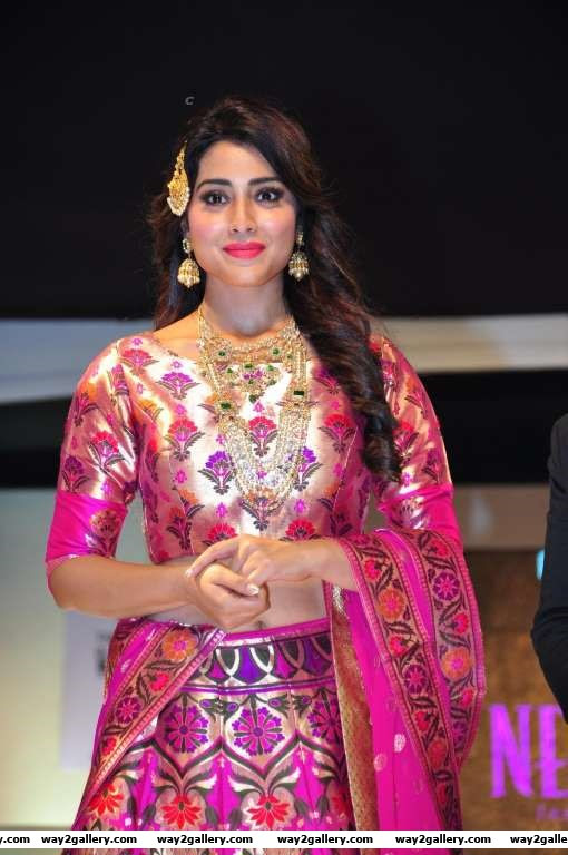Shriya Saran turned showstopper for The Wedding Vow Fashion Show