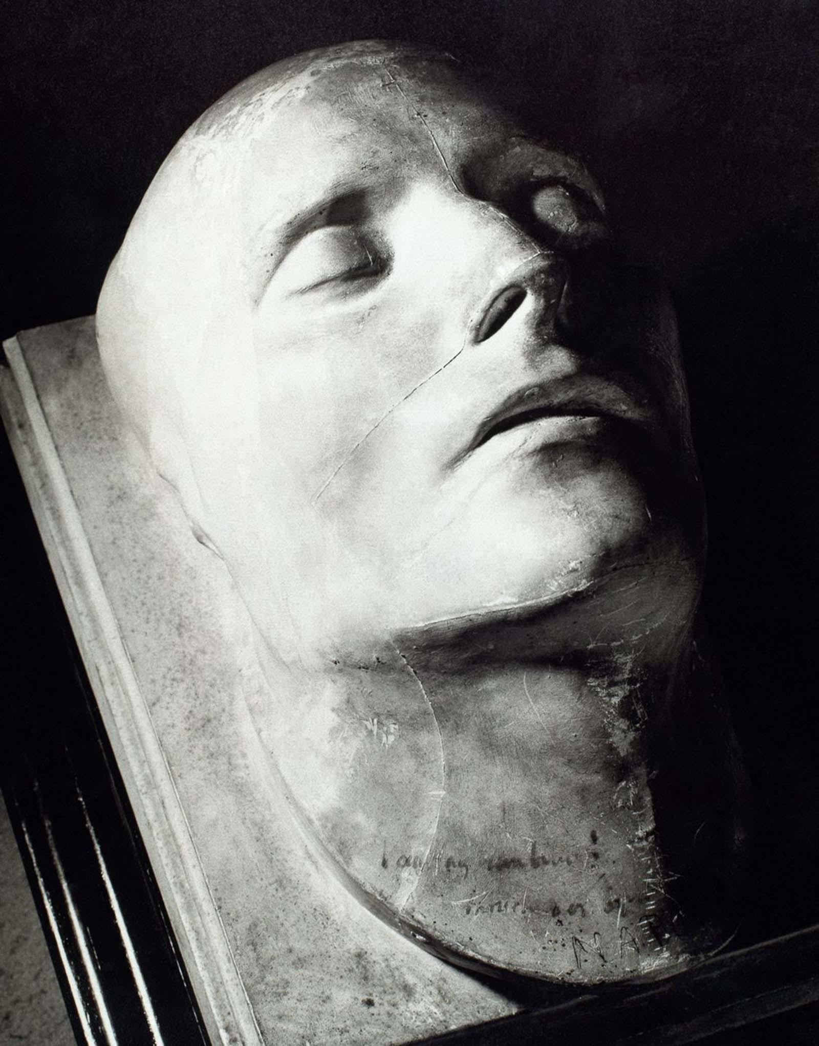 death masks famous people