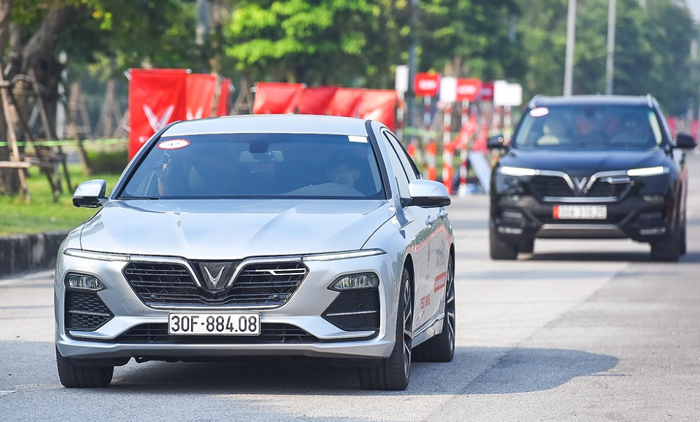 VinFast tăng giá bán dòng xe Lux từ tháng 11/2019