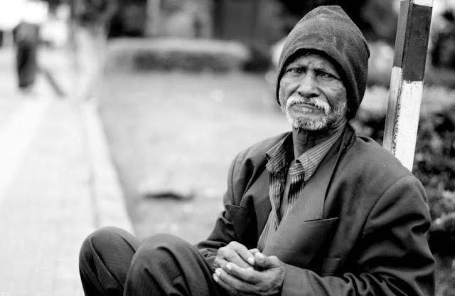 https://abusyuja.blogspot.com/2019/07/golongan-yang-berhak-menerima-zakat-dan-haram-menerima-zakat.html