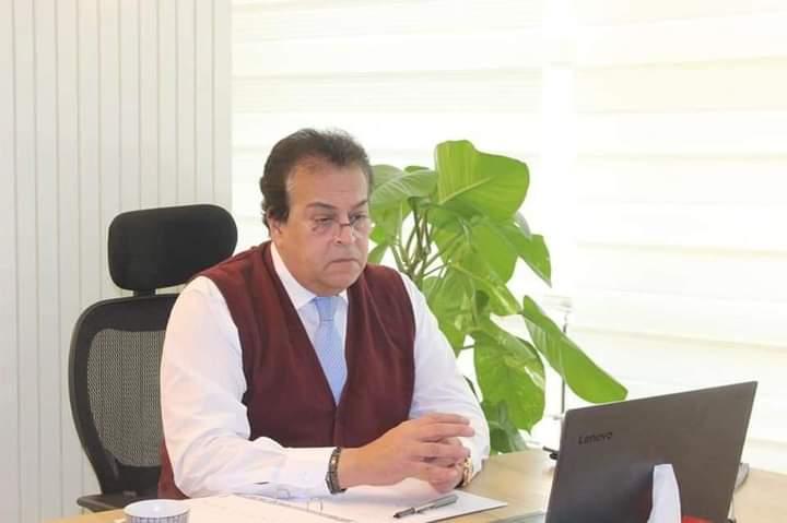 وزير التعليم العالى يترأس اجتماع مجلس إدارة وكالة الفضاء المصرية