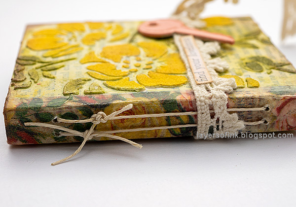 Layers of ink - Tiny Flower Book DIY Tutorial by Anna-Karin Evaldsson. Bind the book.