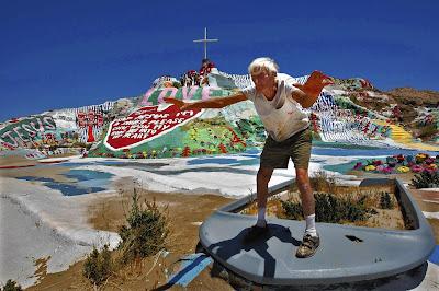 Leonard Knight en Salvation Mountain en 2010
